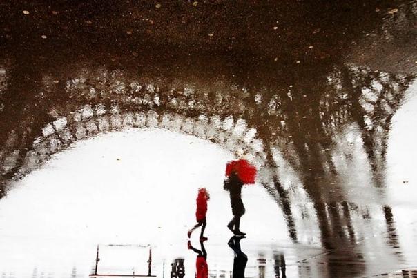Кристоф Жакро - французский фотограф В настоящее время фотограф живёт и работает в Париже самом романтичном городе в мире. Однако свои известнейшие снимки он сделал далеко за пределами Франции -