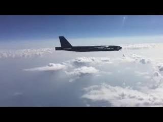 Военные сняли на видео перехват бомбардировщиков ВВС США над Черным морем