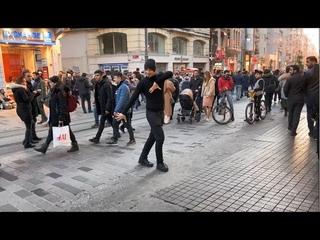 Лезгинка В Центре Города Стамбул 2020 Lezginka ALISHKA Salam Aleykum (Турция) Kafkas Dansi