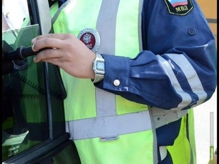 На Ставрополь полицейским пришлось будить пьяного водителя