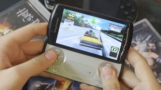Игровой смартфон Sony из 2011: Xperia Play