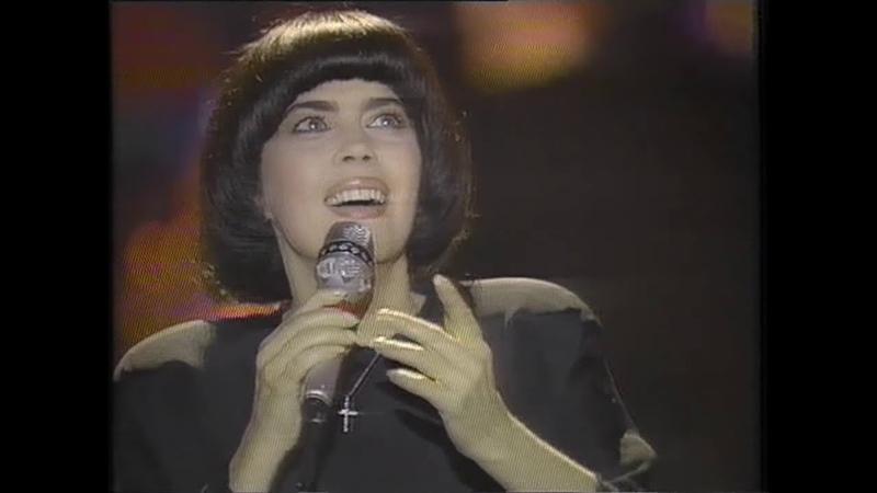 Mireille Mathieu au Gala contre le SIDA au Paradis latin 1985