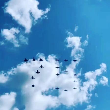 Любовь's Instagram video Мы благодарим наших бабушек и дедушек за героизм и отвагу за мирное небо и улыбки детей это бесценно Спасибо 🙏 мыпо