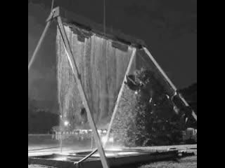 Водные качели, которые смогли легко совместить в себе как науку, так и веселье.