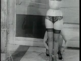 Бетти Пейдж: Королева неволи / Bettie Page: Bondage Queen (1953-55) Irving Klaw (без пер.)