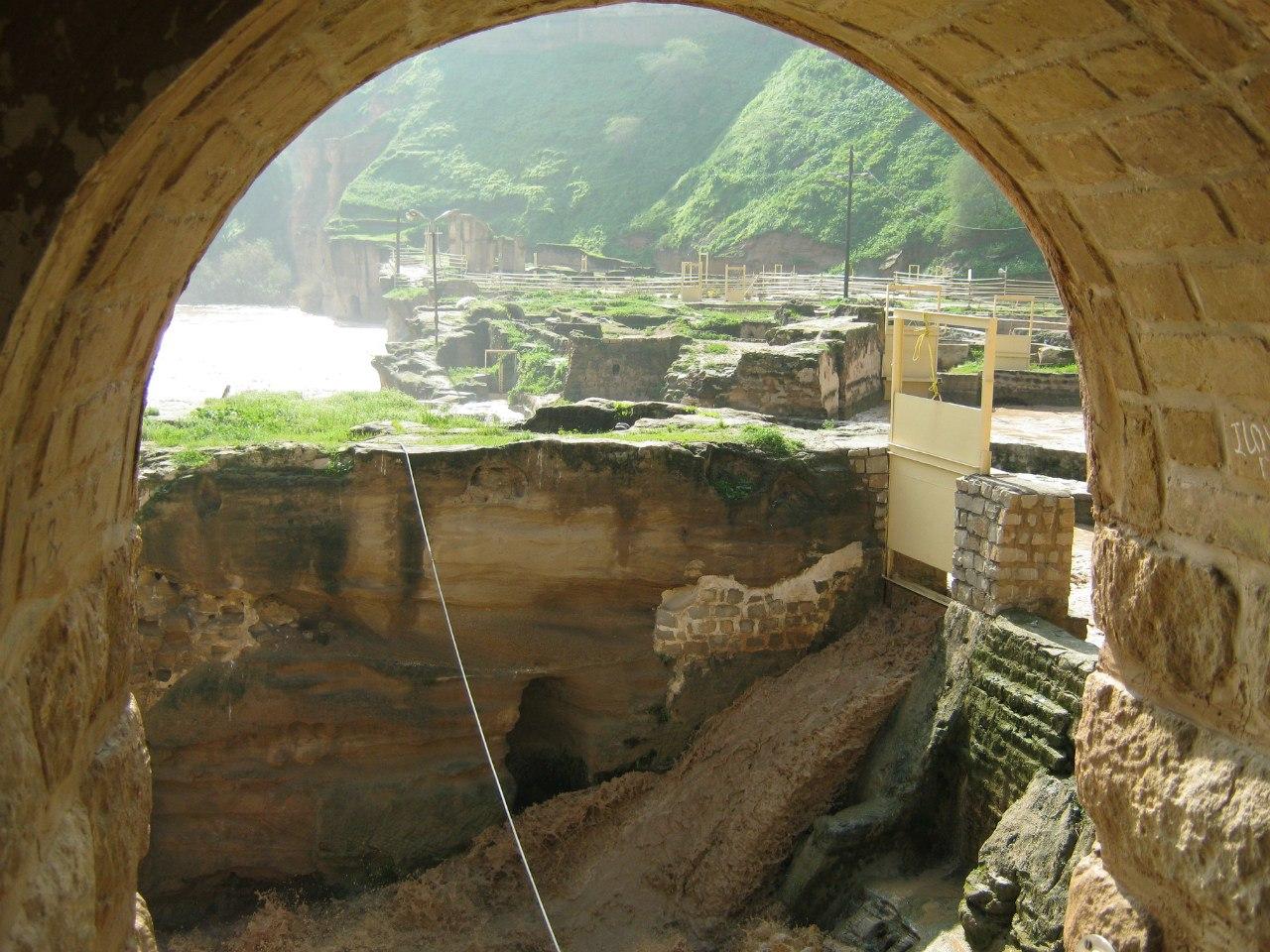 Древний город Шуштар, система из водяных мельниц.