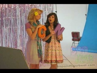 Chelsea Staub and Nicole Anderson from JONAS get silly at their Tiger Beat 3D shoot!