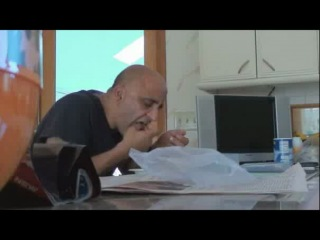 Реакция отца на музыку сына. )))