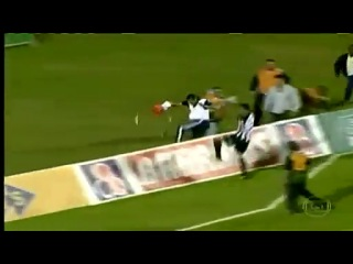 Бразилии массажист дважды спас свою команду от пропущенного мяча