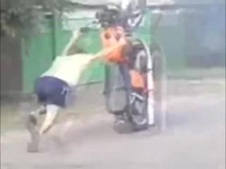 Прикол с мотоциклом! Встал на дыбы!! и ушел в овраг!!