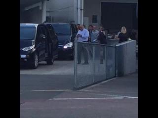 Harry arriving