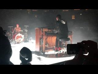 twenty one pilots - Kitchen Sink ft. Zach Joseph (Live at Madison Square Garden Night 2 8/11/16)