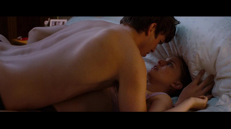 The leaked extended version of natalie portman and mila kunis sex scene