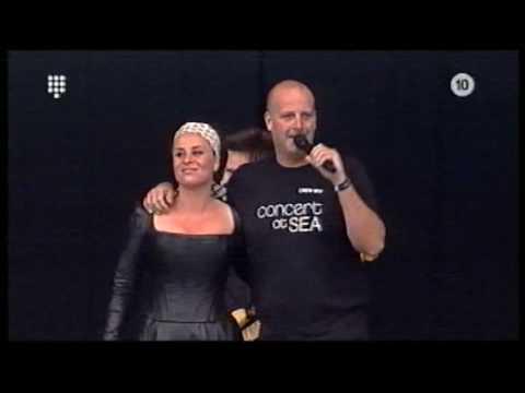 Trijntje Oosterhuis Paskal Jakobsen Let's Stay Together Concert at Sea 2007 1 6