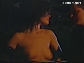 Кэтрин Зета Джонс голая - Nude Catherine Zeta Jones - The Play on One 1988