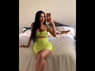 Claudia Alende on Instagram_ _--__Bx2w0GgBdGk(MP4)