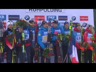Some well deserved flowers for our top three teams in todays RUH20 men relay! Join the ceremony on