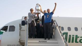 Il ritorno degli Azzurri a Roma dopo la vittoria dell'Europeo | EURO 2020