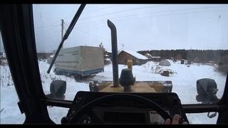 провалился китайский грузовичок, едем вытаскивать на тракторе