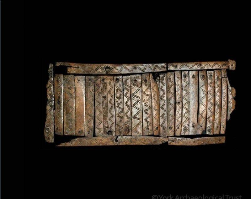 Костяная крышка от деревянной коробки. Рёбра КРС.