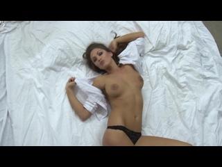 Emma Frain Nuts №10