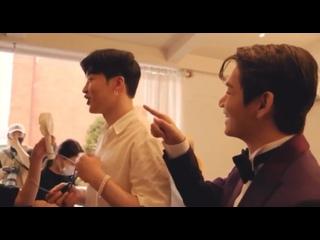Vídeo de BATRSMY || Who the HELL AM I