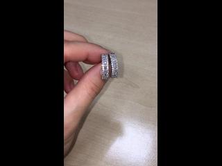 Серьги с бриллиантами, выполненные в белом золоте