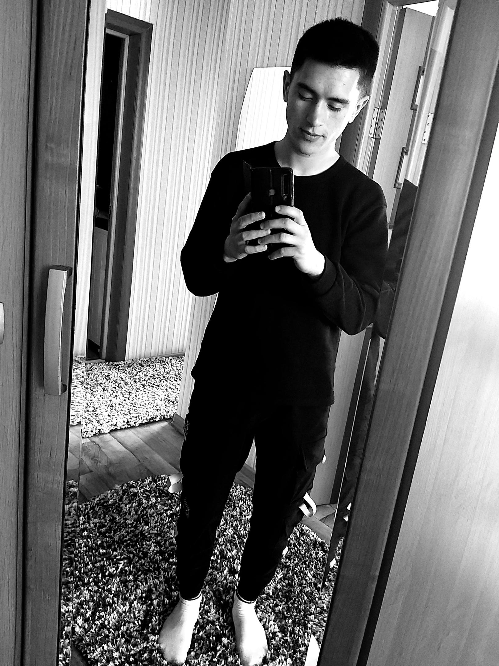 Александр, 20, Poronaysk