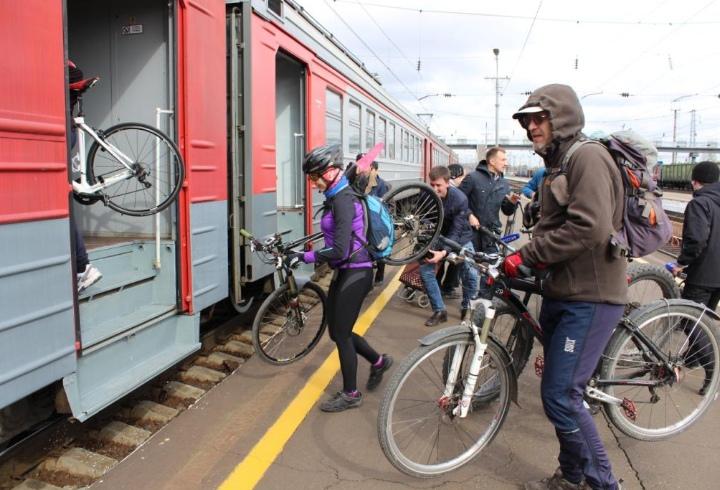 С 1 апреля пассажиры электричек смогут бесплатно провозить велосипеды