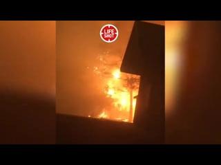 Город Парадайз (Рай)-Калифорния стал огненным адом! В штате бушуют лесные пожары.  Эвакуированы десятки тысяч человек. Пламенем