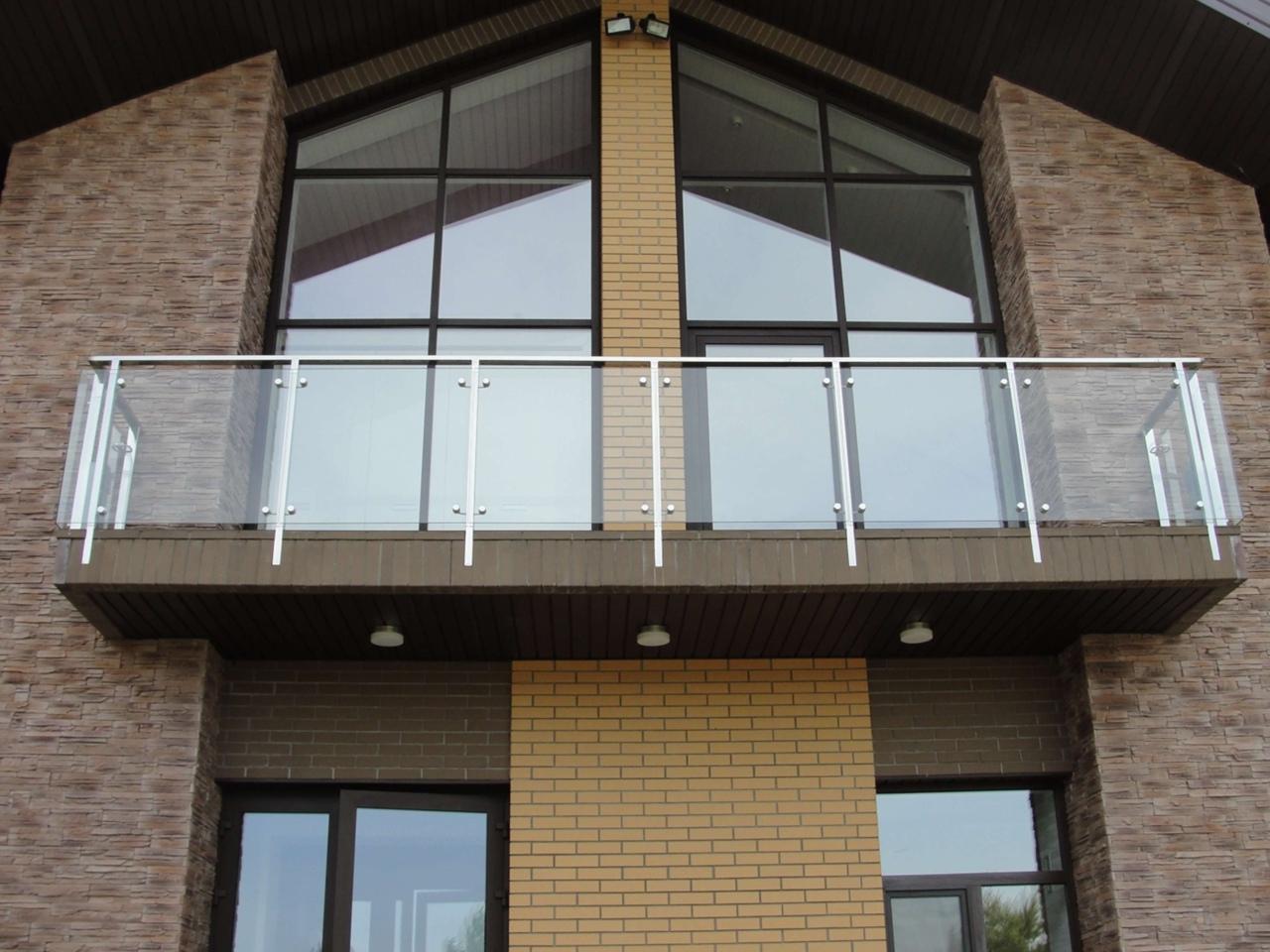 Какой поликарбонат не подойдет для балконного ограждения?