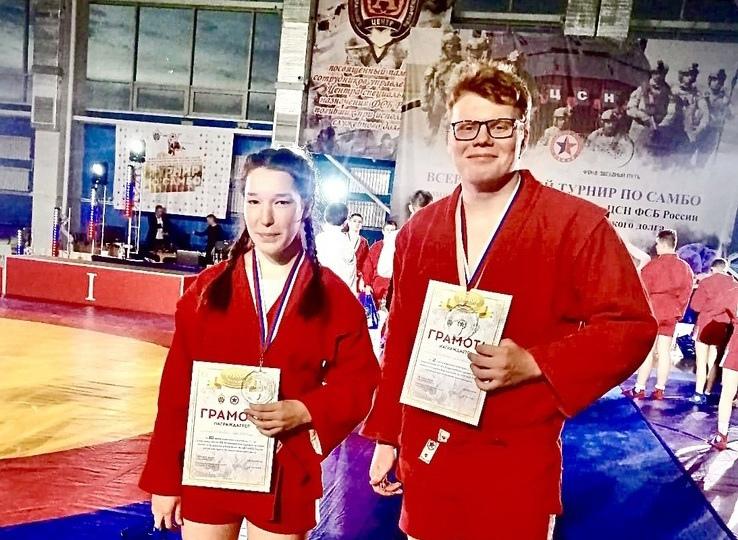 Петровские самбисты привезли домой две медали Всероссийского турнира