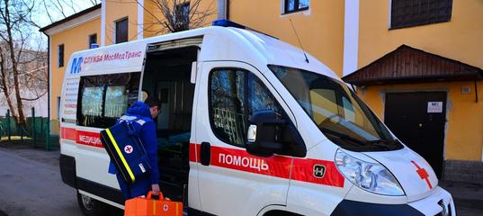 Ребёнок попал под колёса машины, выбежав на дорогу в Краснокаменске