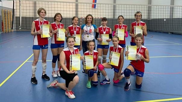 Новочеркасские волейболистки выиграли домашний отк...