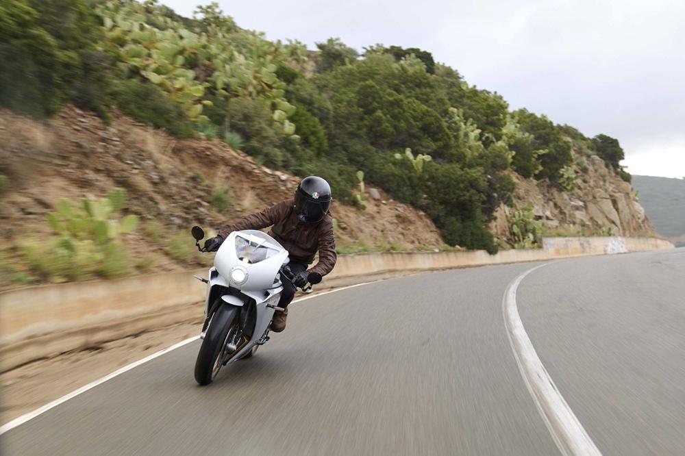 Обновленный мотоцикл MV Agusta Superveloce S 2021