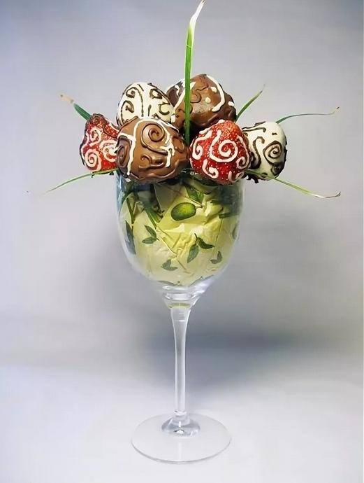 Как приготовить клубнику в шоколаде: оригинальные рецепты и идеи,оформления