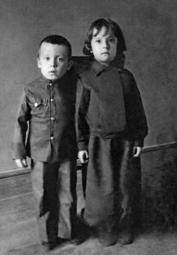 Детство Валерия Кучера. 4 года. г. Малин, Житомирская область, УССР, 1945 г.