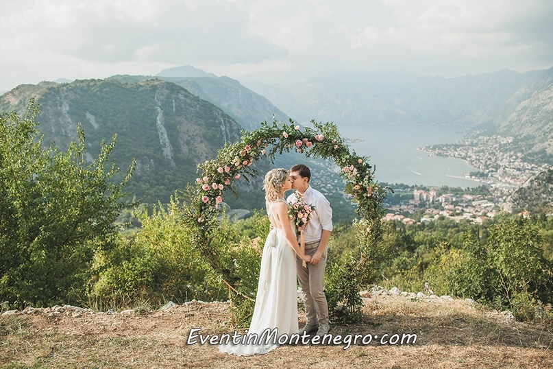 Чувства на высоте. Свадьба в Черногории, изображение №1