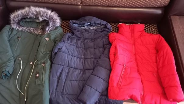 Отдам вещи зима парка и синяя куртка размер 42-44 ...