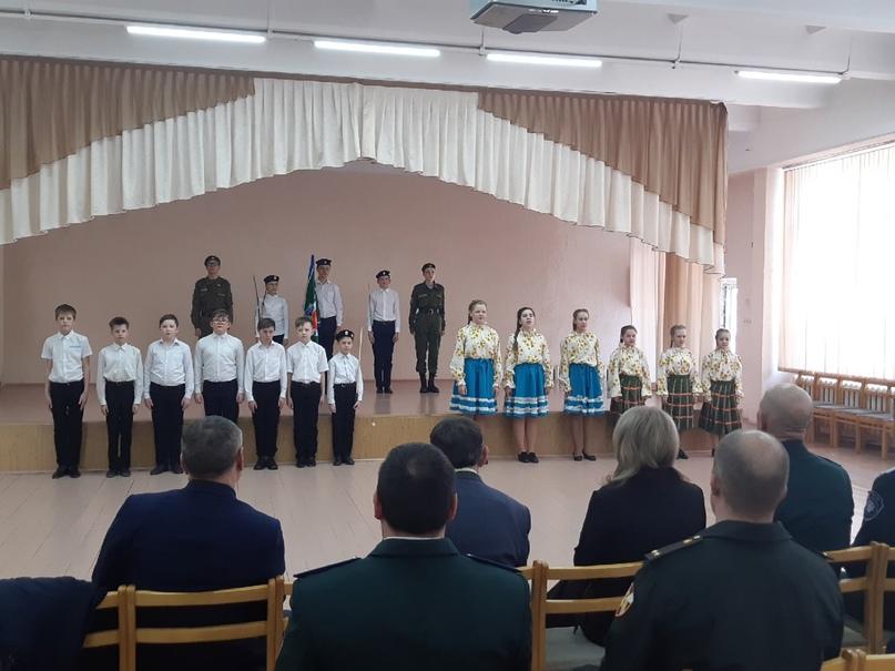 Приезд генерала В. И. Романова в г.Касли., изображение №1