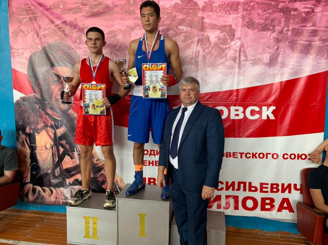 В Петровске подвели итоги Панфиловского турнира по боксу