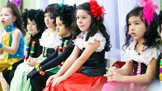 """Новогодний утренник в детском саду Танец """"Привет, Елка""""/Танцы в детском саду"""