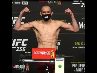 #UFC256 weigh-in results: Tony Ferguson (155)