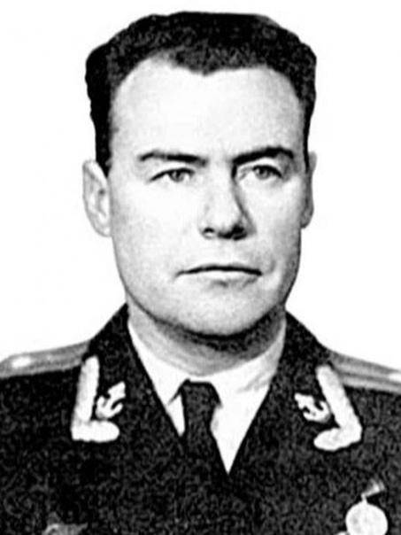 . Командир подлодки Б-4 Рюрик Александрович Кетов