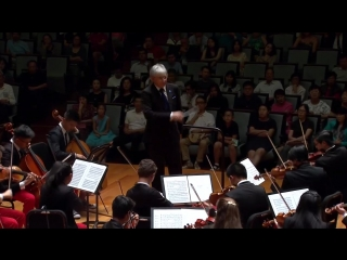 Michael Tilson Thomas conducts Hearne, Gershwin, and Sibelius – With Jean-Yves Thibaudet - 2