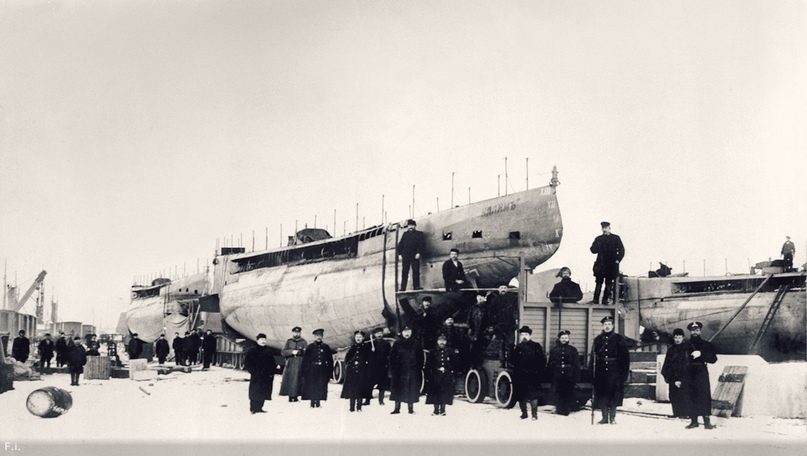 Подводные лодки типа «Касатка» перед отправкой на Дальний Восток.