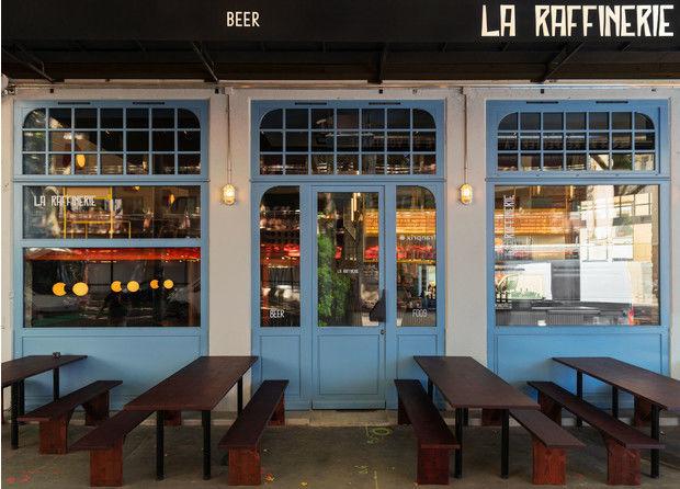Яркий бар La Raffinerie в Лионе